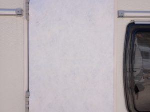 toldilla ventana caravana